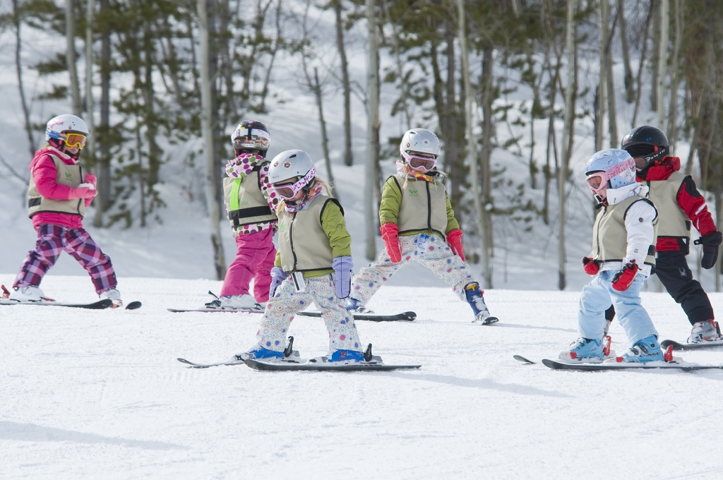 At what age can a child learn to ski or snowboard? - Blog ...